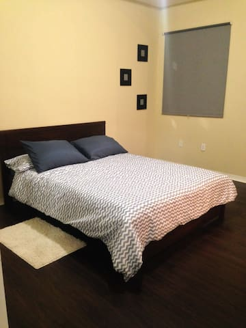 Town house Doral / 15 minutes from Miami Airport/ - Doral - House