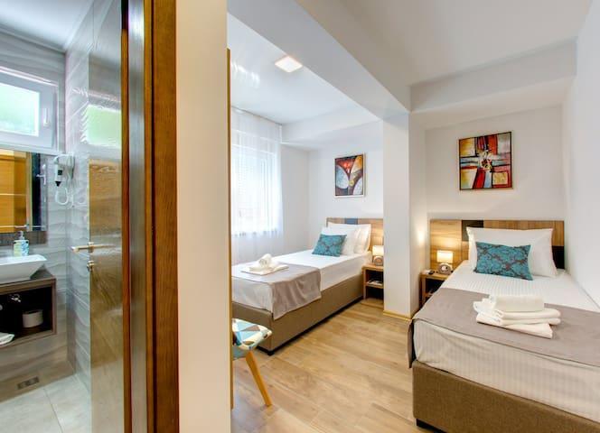 Villa Floris, Mostar, Twin Room