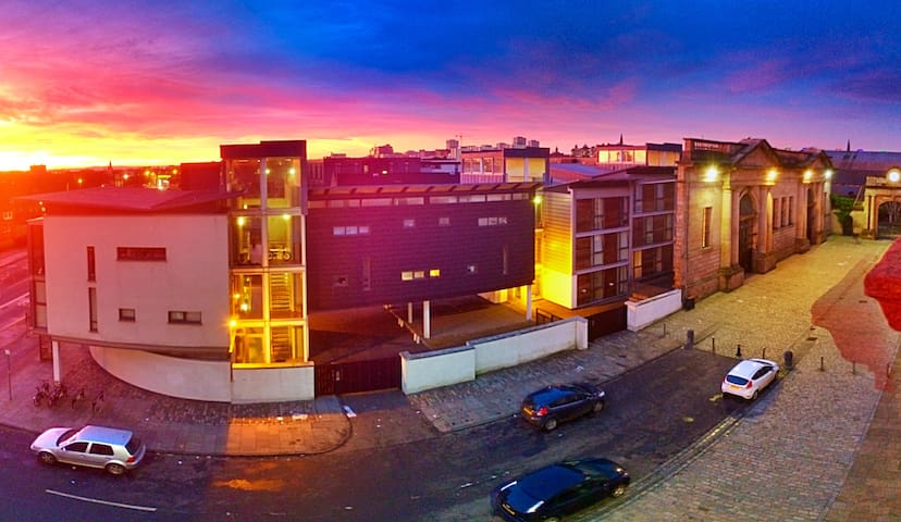 City Center Location, Stunning View - Glasgow - Apartment