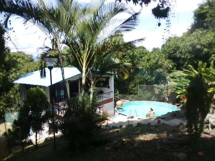 Cabaña en Finca Karimandi