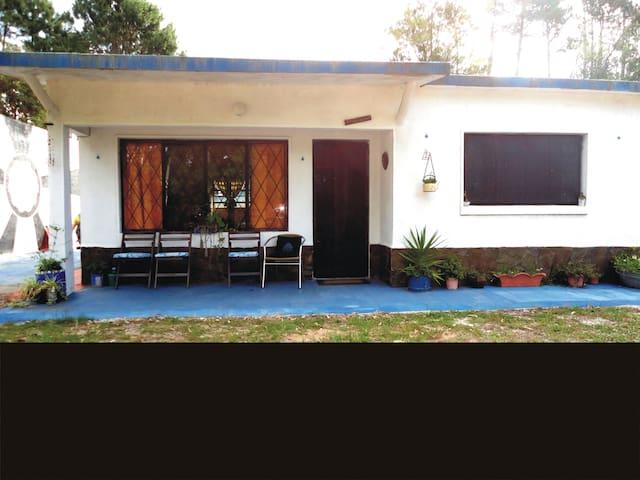 """Casa Chalet """"Los Giles"""" reciclada - Parque del Plata"""