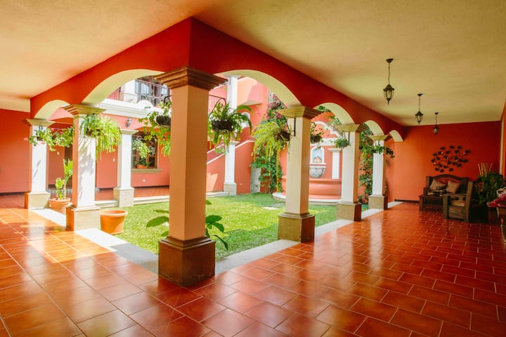Beautiful and spacious house in Antigua Guatemala