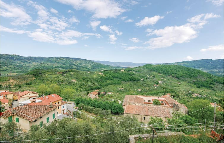 Terraced house with 2 bedrooms on 65m² in Montecatini alto