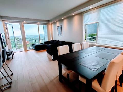 Apartament plăcut, complet echipat, cu o priveliște minunată