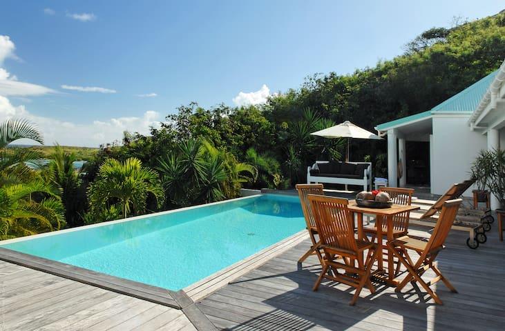 Blue Lagoon: 110422 - gouverneur - Villa