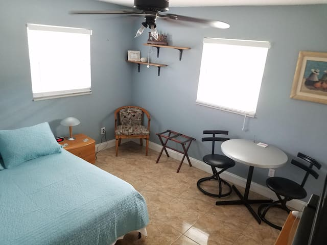 Private 1Bedroom 1Bath - Quiet and Peaceful sleep