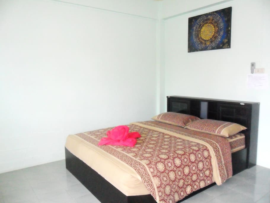 Room facilities: City view, TV, Cable Channels, Air Conditioning, Shower, Free toiletries, Toilet, Bathroom, Refrigerator, Towels