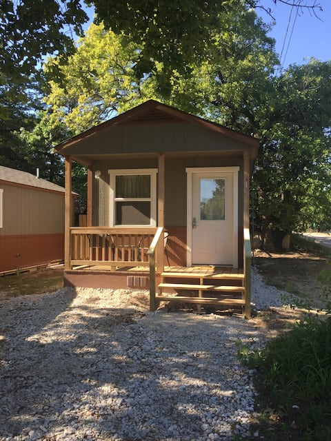 Hoot Owl Cabin-weekly discounted price-$298