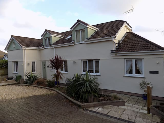 Lynwood Mews, Falmouth - self-contained annexe