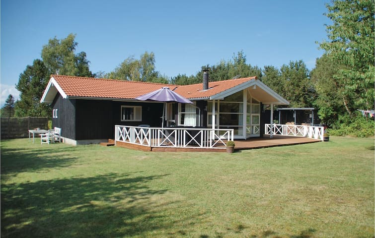 Holiday cottage with 3 bedrooms on 105m² in Græsted