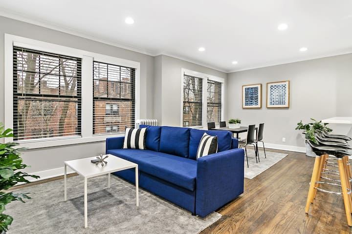 Charming & Stylish 2BR Condo Perfect for Family