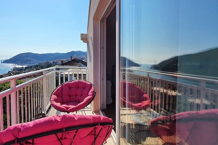 Penthouse Dubrovnik with amazing view & Spa