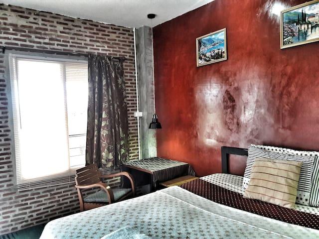 102 Residence  - Standard Room & Pool - Chiang Mai - Byt se službami (podobně jako v hotelu)