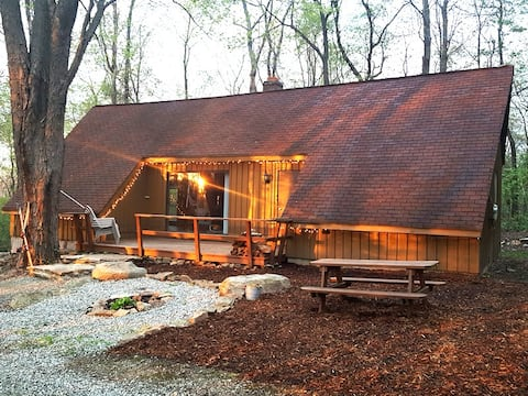 Luna Chalet at Claycomb Chalets
