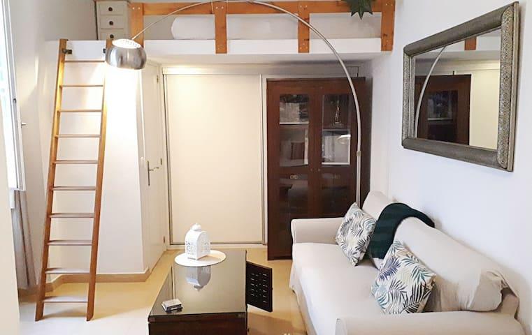 S. Relax, centrico y acogedor loft.