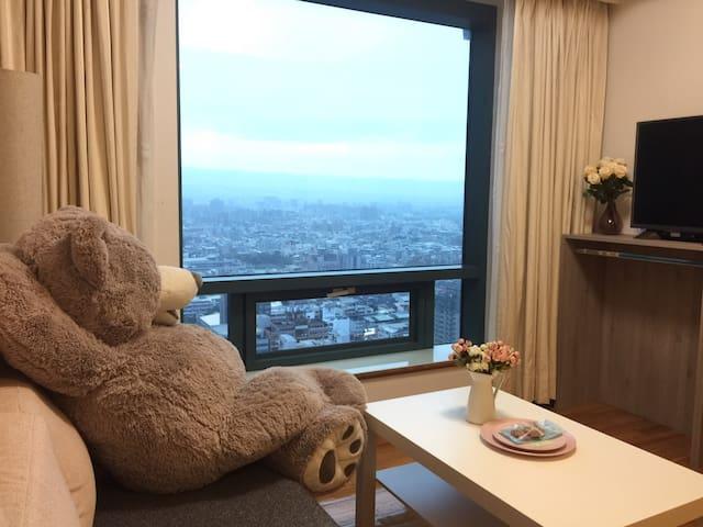 TaichungCity 台中市雅緻高樓景觀(需沙發床請點成人3人)WalkerTaichung