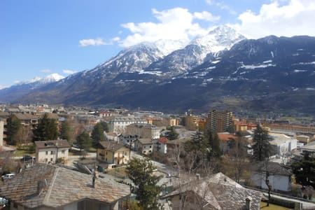 Collina panoramica di Aosta - Aosta - Appartement