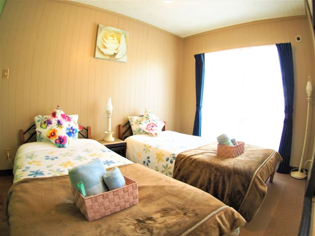 Chatan Hills Apartment302 〔Free parking&WI-FI〕