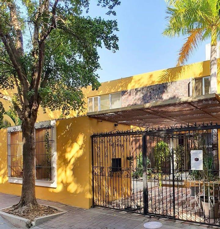 La Casa Amarilla | Habitación olivo