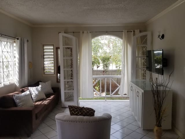 Rustic Charm 1Bed 2Pax 5mins to New Kingston