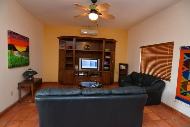 el dorado Ranch casa Pescados - living room