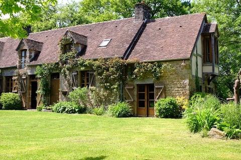 Delightful old farmhouse and spacious garden