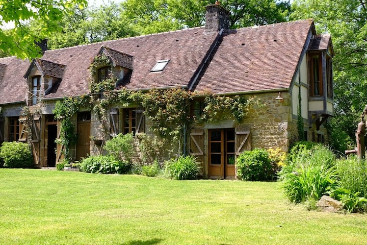 Delightful old farmhouse and spacious garden