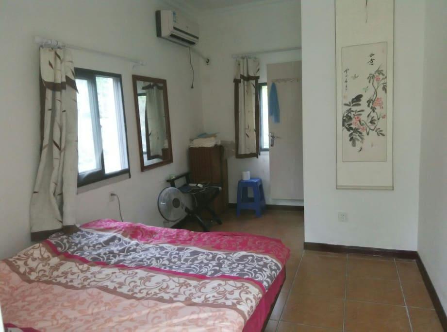 二楼客房(1.5米床铺一张)