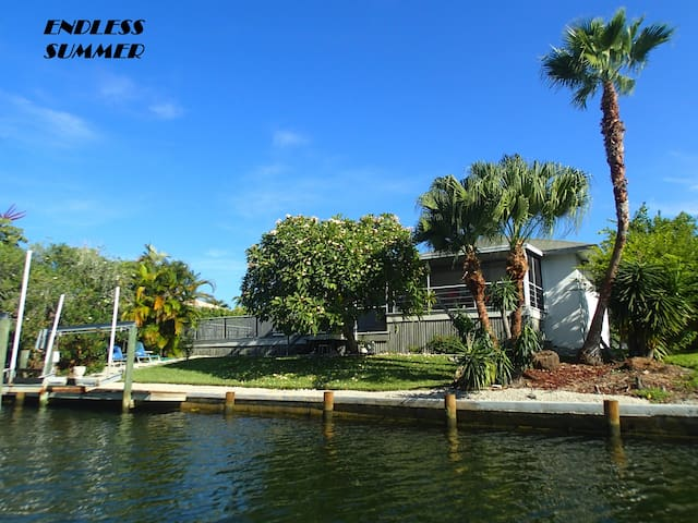 3BR Waterfront, Heated Pool, Close to Beach