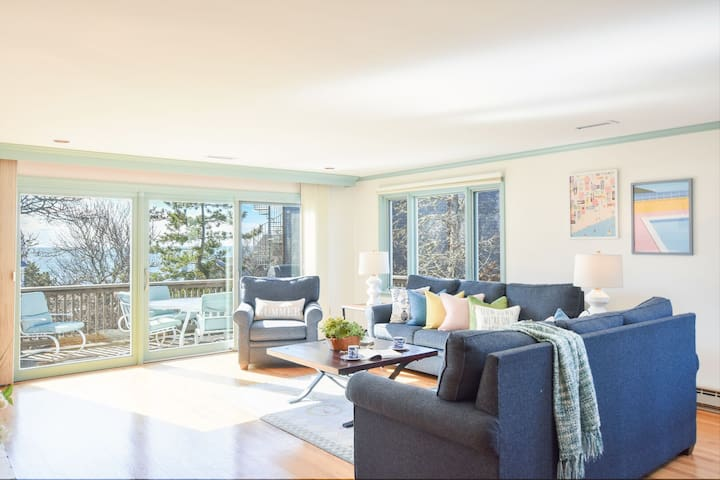 #639: Spacious home with ocean views, walk to Forest Beach and bring your dog!