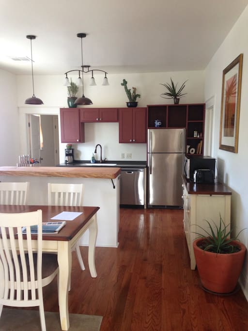 Full, well-equipped kitchen