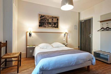Hotel du Commerce Chambre Single - Bed & Breakfast