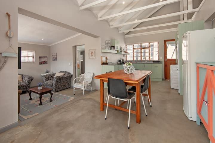 Central 2 Bedroom Cottage