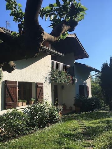 Très agréable et jolie maison proche  de l'océan.