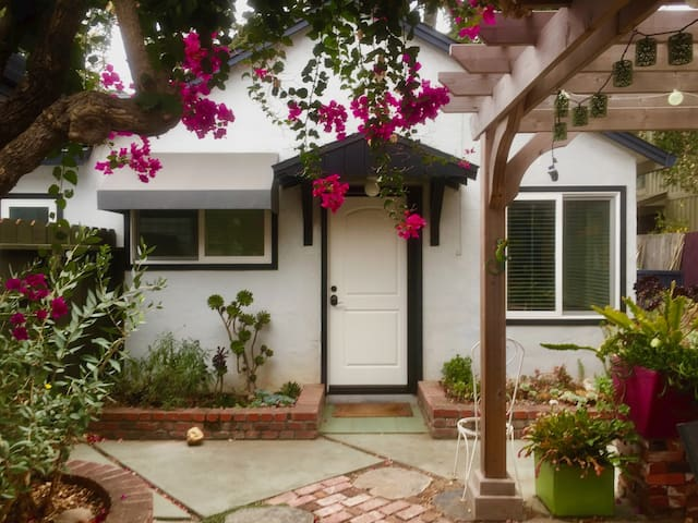 Large one bedroom, one bath cottage in Cupertino