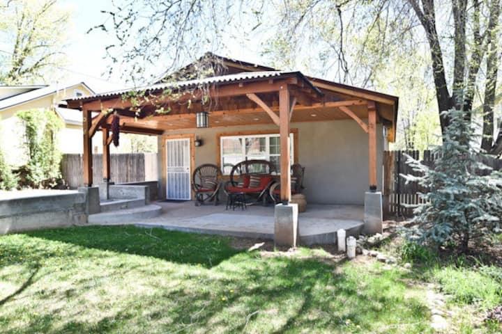 Wild Horse Guesthouse, Downtown Durango