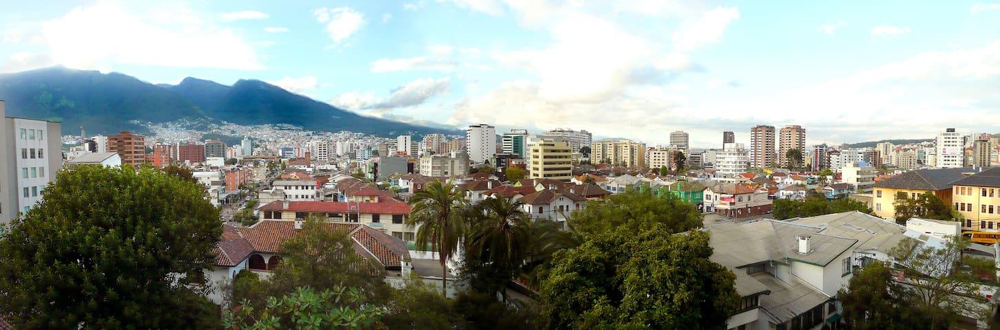 tu casa en Quito. 2 dormitorios. Muy central. 4pp