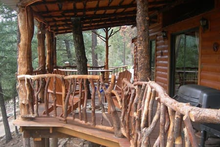 Ian Cabin at Bottle House Cabins