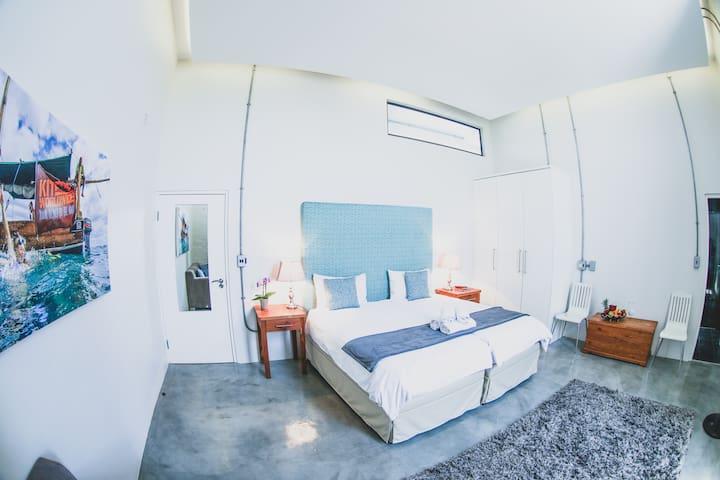 Private room, Loft-Style Villa, Sunset Beach-Loft8