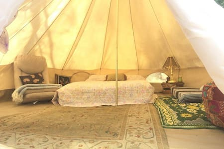 The Love Yurt by the Kern River - 克恩維爾(Kernville) - 蒙古包