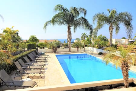 Sunrise Beach Villa - Luxury in Coral Bay, Paphos