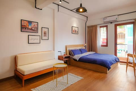 Retreat to a bright and airy studio downtown SGN