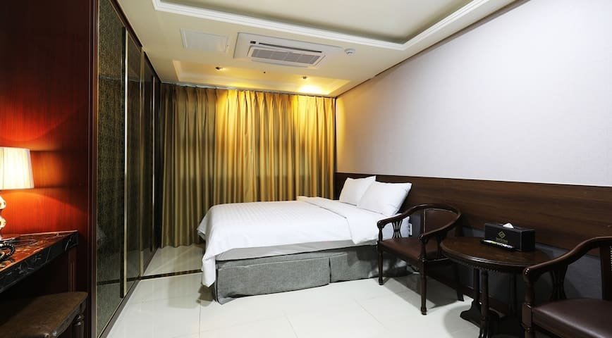 West Seoul Residential Hotel) Gimpo Airport(10min)