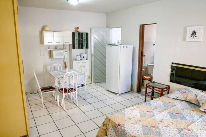 2 Quartos c/ banheiro e cozinha Ponta Negra/NATAL