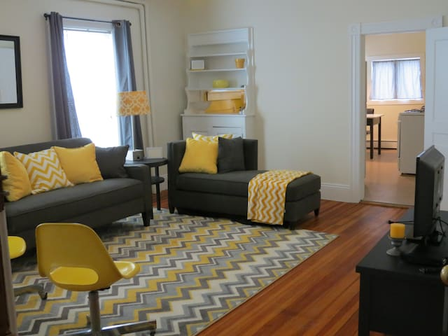 Modern Fun Vermont Village Apartment #5 - Windsor - Apartemen