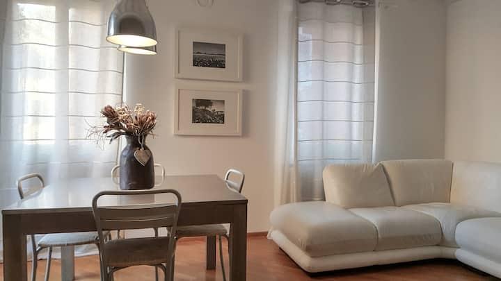 Bright flat in the hearth of Modena