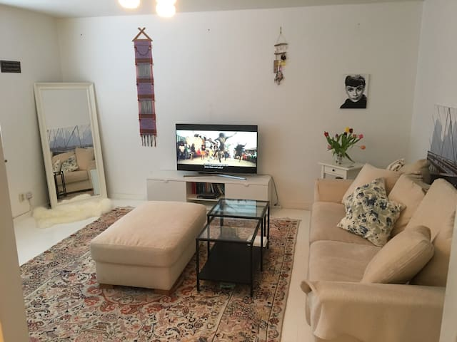 Cozy apartment in Solna! Close to the city ;)