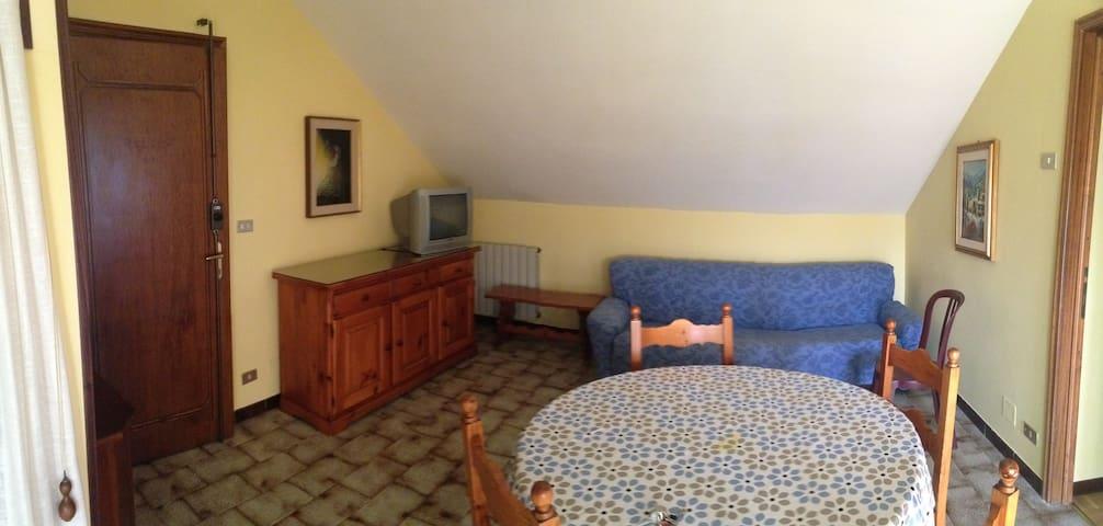 Accogliente trilocale centro paese - Borgo San Dalmazzo - Apartment