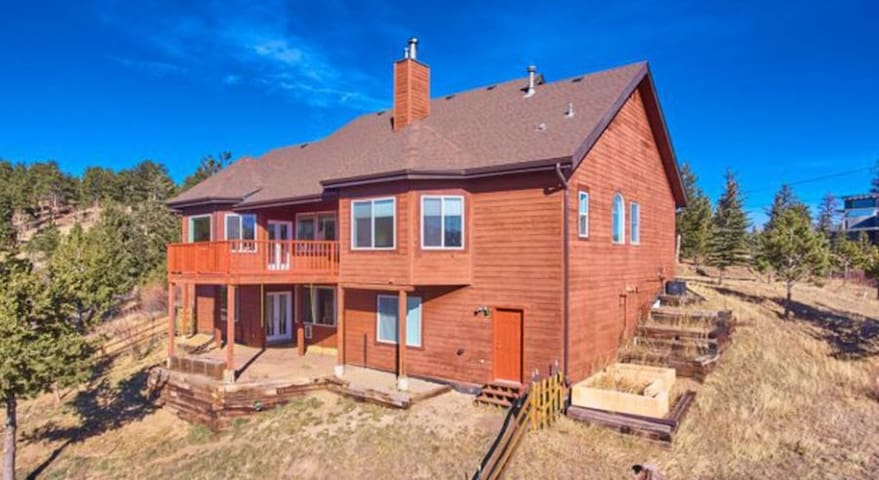 Hill-top House in Cloudland - Enjoy Colorado!