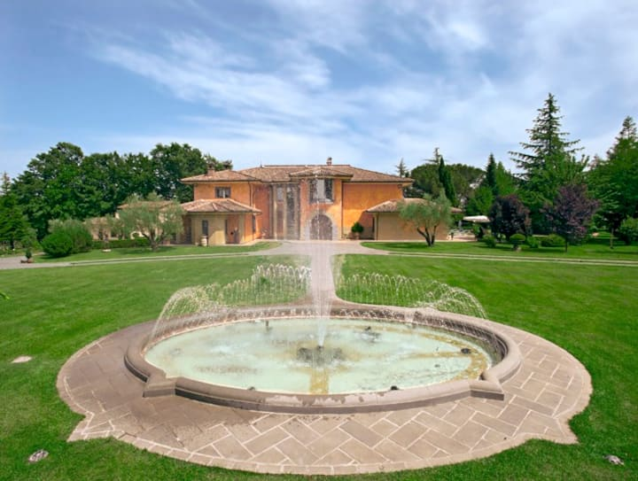 Villa Soleil for 14 near Orvieto with pool